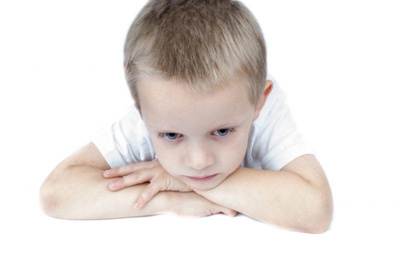 bambino-disturbo-tic-nervoso